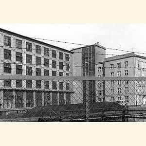 Zakłady Wytwórcze Aparatury Niskiego Napięcia w Toruniu